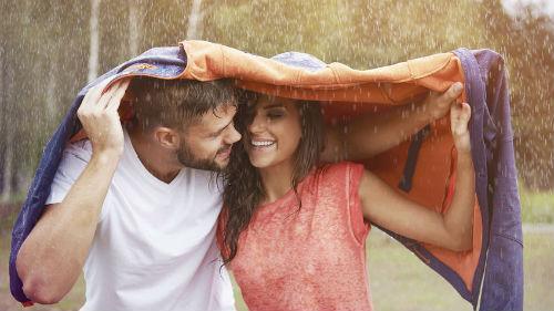 попасть под дождь