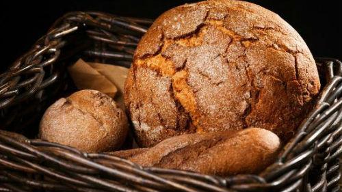 видеть черный хлеб