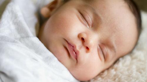 родившийся младенец