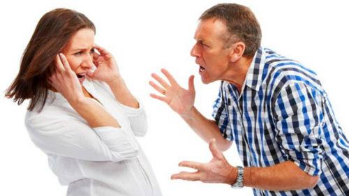 повздорить с мужем