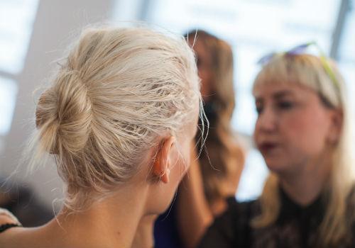 К чему снится седые корни волос фото