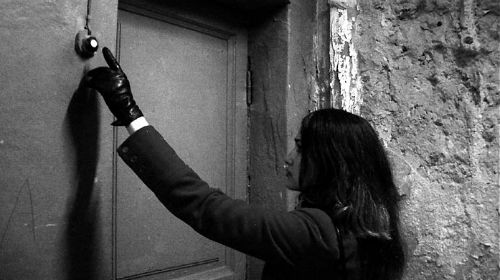 открыть закрытую дверь