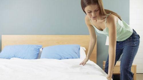 застелить кровать во сне