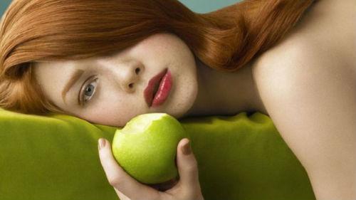 кушать яблоки