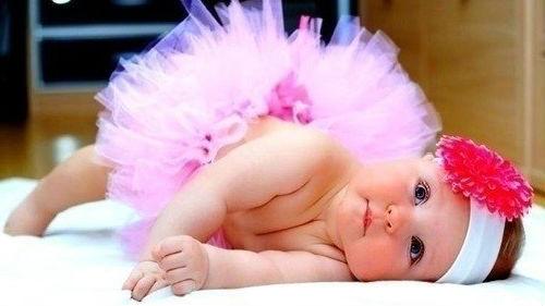маленький ребенок девочка