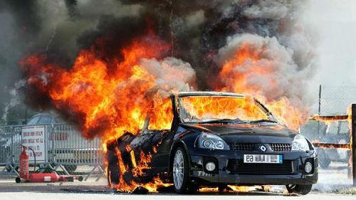 к чему снится что машина горит