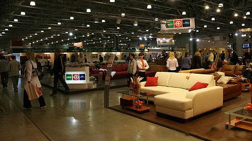покупать мебель