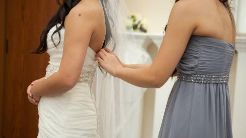 мерить свадебное платье незамужней девушке