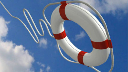 тонуть в море и спастись