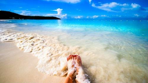 тепллая вода и песок
