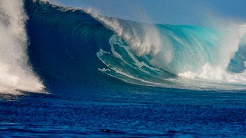 накрывает волна с головой