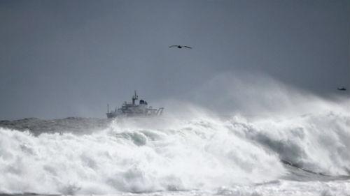 море шторм
