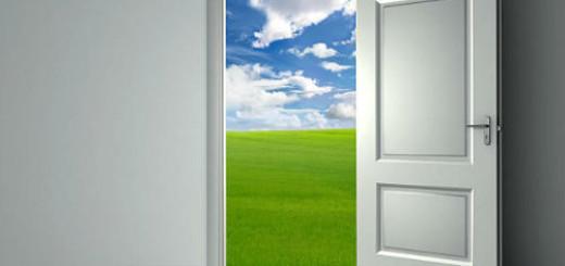 открытая входная дверь во сне