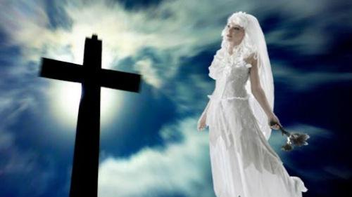 умершая родственница в свадебном платье