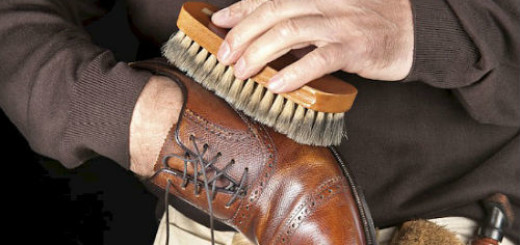 чистить обувь кремом во сне