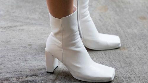 к чему снится белая обувь на ногах