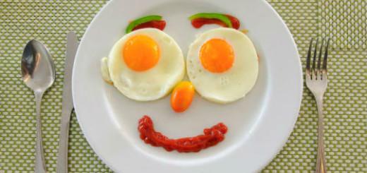 жареные яйца во сне