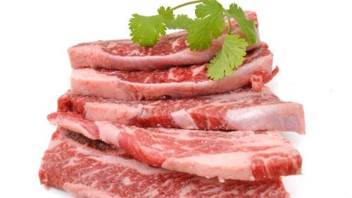 видеть сырое мясо