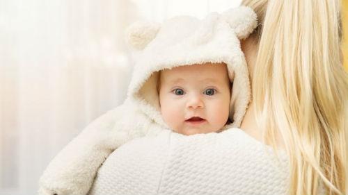видеть новорожденную