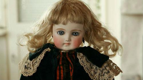 видеть куклу