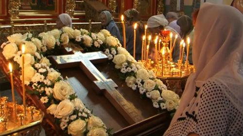 день происхождения честных древ Животворящего креста господня