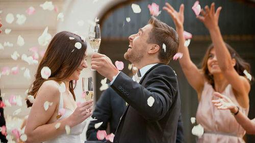гулять на свадьбе
