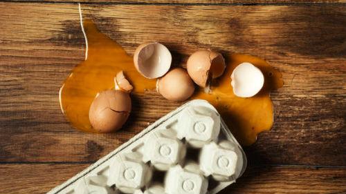 тухлое яйцо куриное разбить