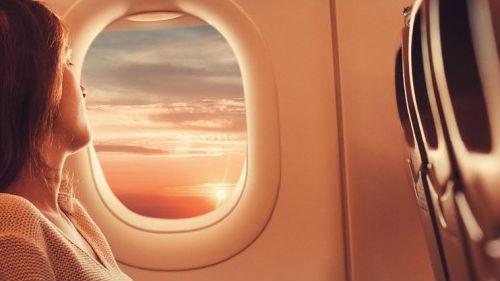 приснилось летать в самолете женщине