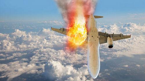 горит самолет