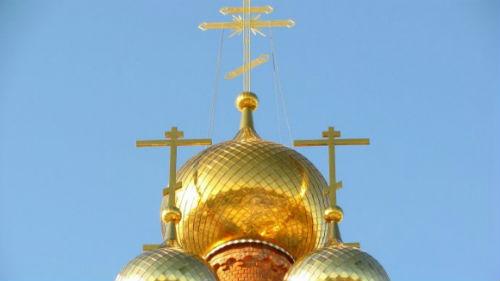 кресты на золотых куполах