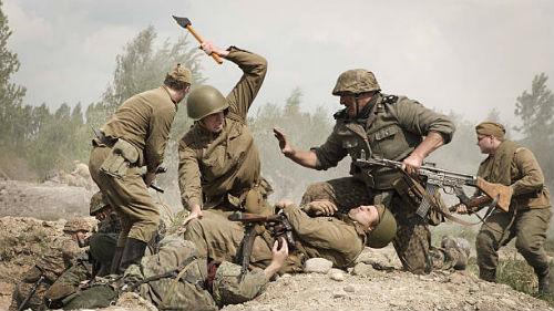 сражаться с немцами