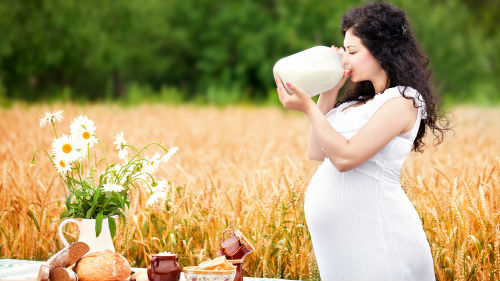 к чему снится молоко женщине