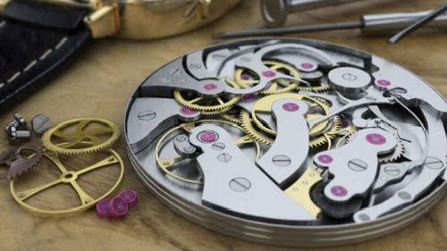 сломанные часы наручные