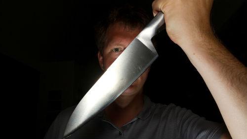 Сон мужчина с ножом