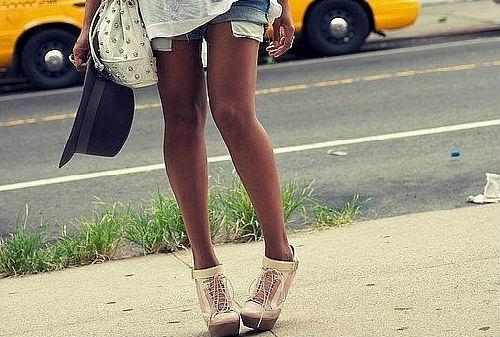 Лохматые женские достоинства между ног фото 123-725