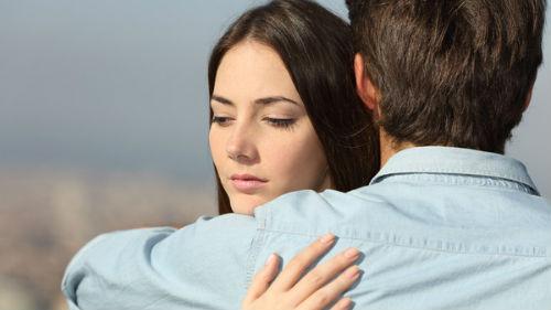 сонник обнимать знакомого человека