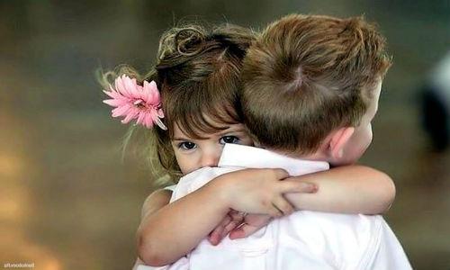 обнимать брата во сне