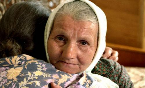 приснилась бабушка обнимает