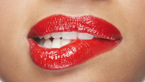 Сонник к чему снится красить губы