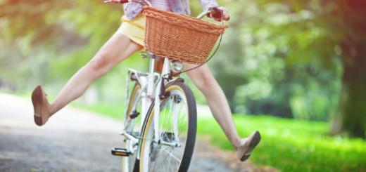 кататься на велосипеде и упасть