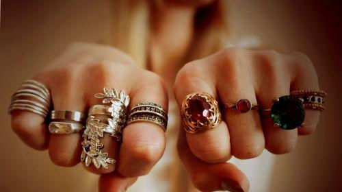 много колец на пальцах во сне
