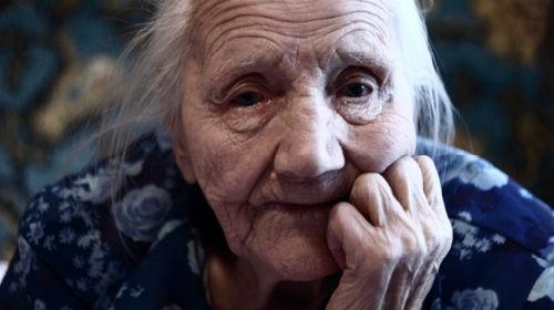 покойная бабушка живая во сне