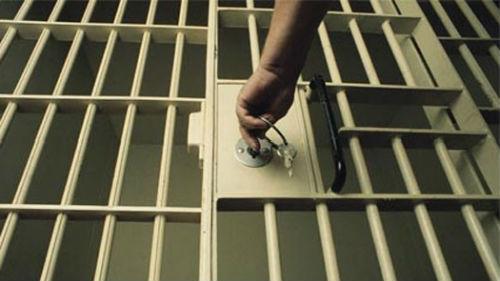 к чему снится попасть в тюрьму