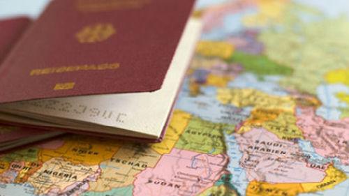 оформлять загранпаспорт