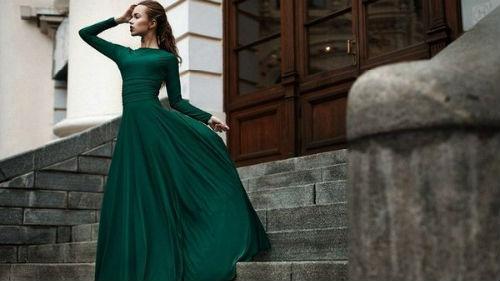 Одеть во сне зеленое платье на себе