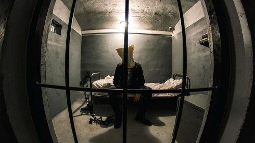 Посадили во сне в тюрьму. - m 47