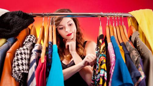 чему новой к одежды снится много