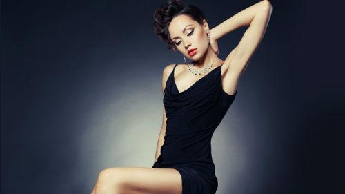 Сон примеряю чёрное платье
