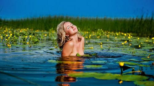 Ночное купание голой фото 553-67