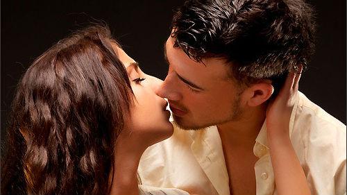 если приснился поцелуй с знакомым парнем
